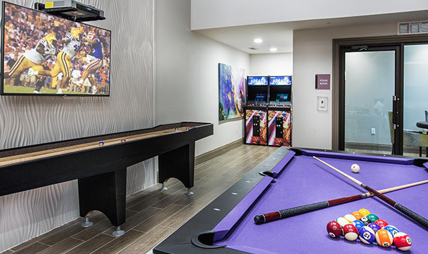 Gameroom with Billiards, Study Space & Poker Table